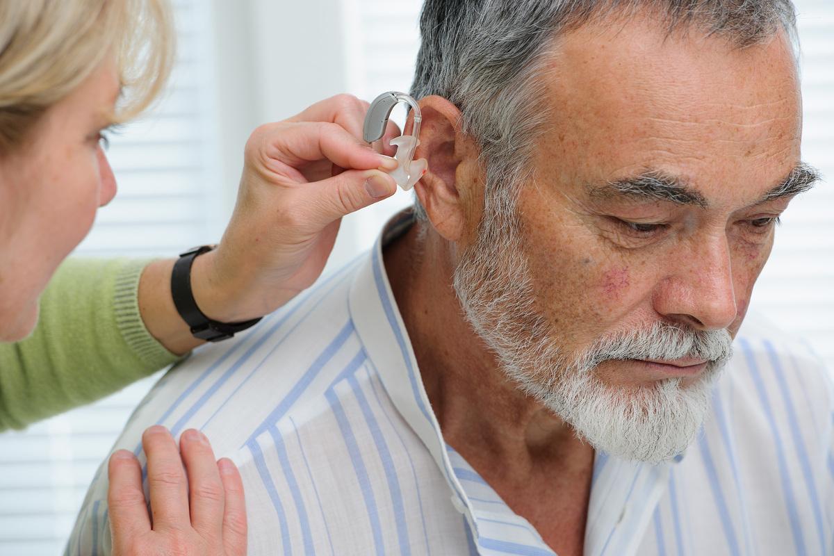 controllo-udito-farmacie-colle-di-val-delsa
